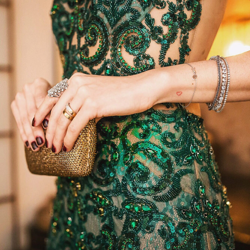 mae-da-noiva-o-que-vestir-dicas-cor-modelo-tecido-aluguel-compra-vestido-de-casamento-acessorios-bolsa-clutch-5