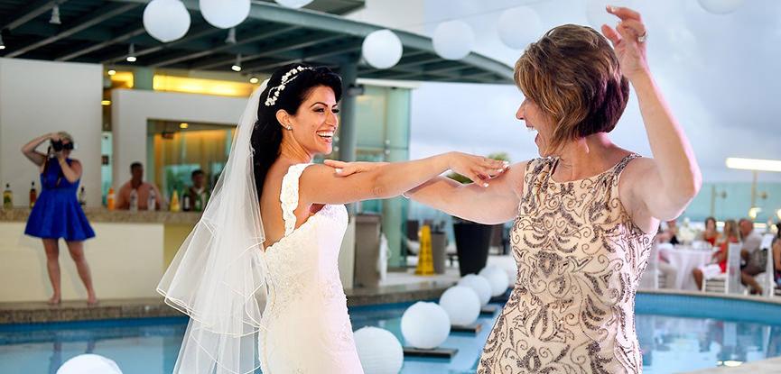 mae-da-noiva-o-que-vestir-dicas-cor-modelo-tecido-aluguel-compra-vestido-de-casamento-capa