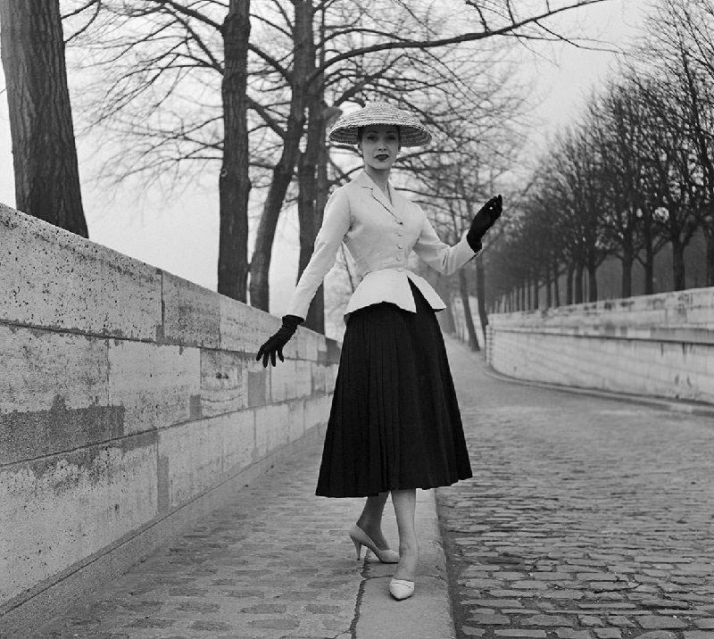 new-look-dior-taileur-saia-1947-historia-da-moda