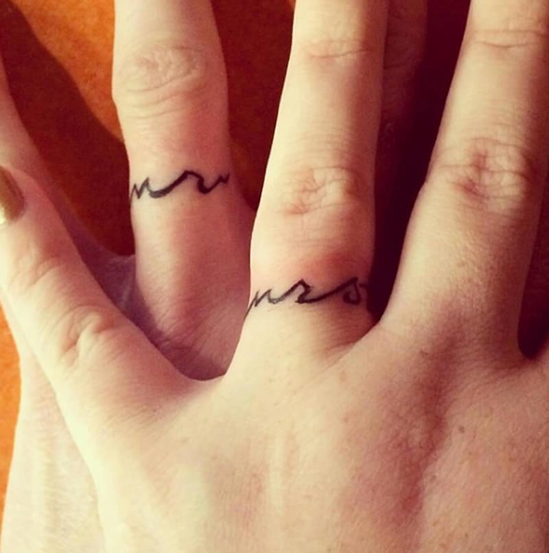 tatuagem-virou-alianca-e-noivado