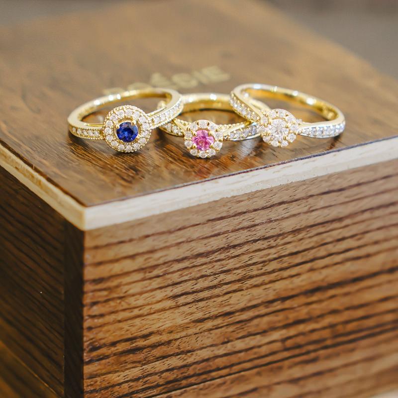 05-anel-de-noivado-com-pedras-coloridas