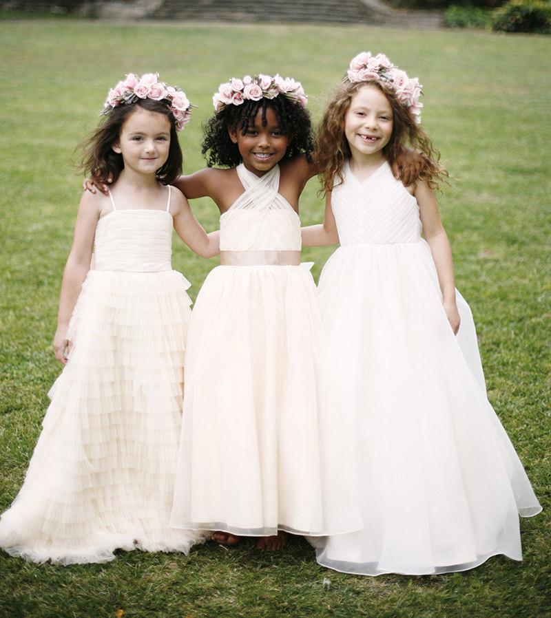 06-damas-de-honra-com-vestidos-diferentes