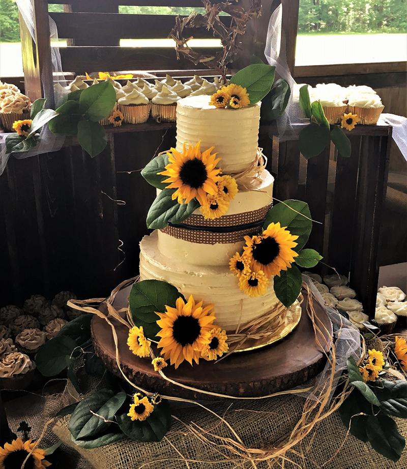 04-bolo-de-casamento-com-girassois