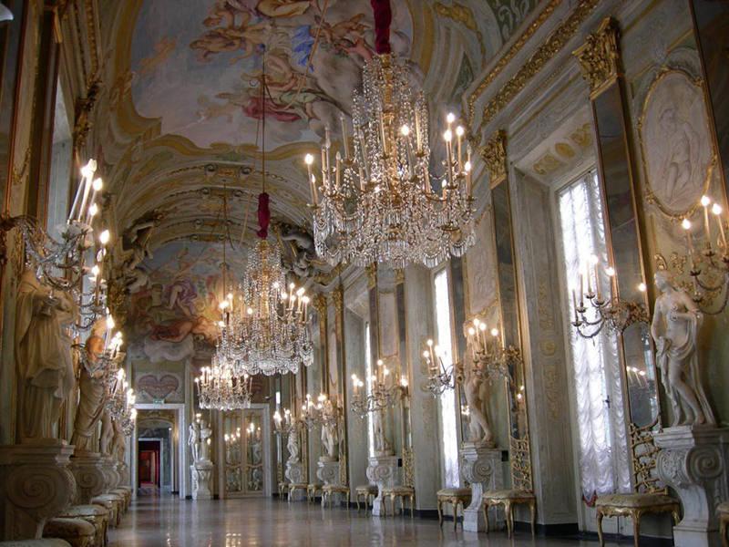 cidade-romantica-na-italia-palácio-real-genova