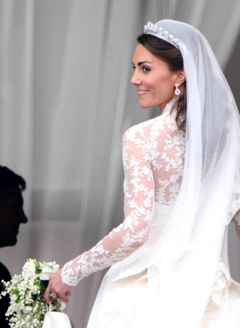 07-vestido-de-noiva-duquesa-kate-middleton-casamento-real (2)