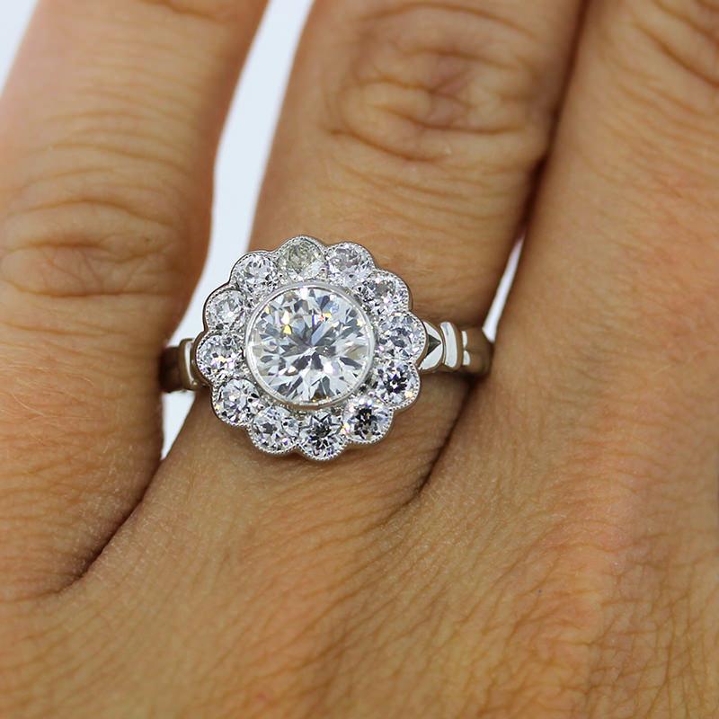 22-anel-de-noivado-vintage-em-formato-de-flor