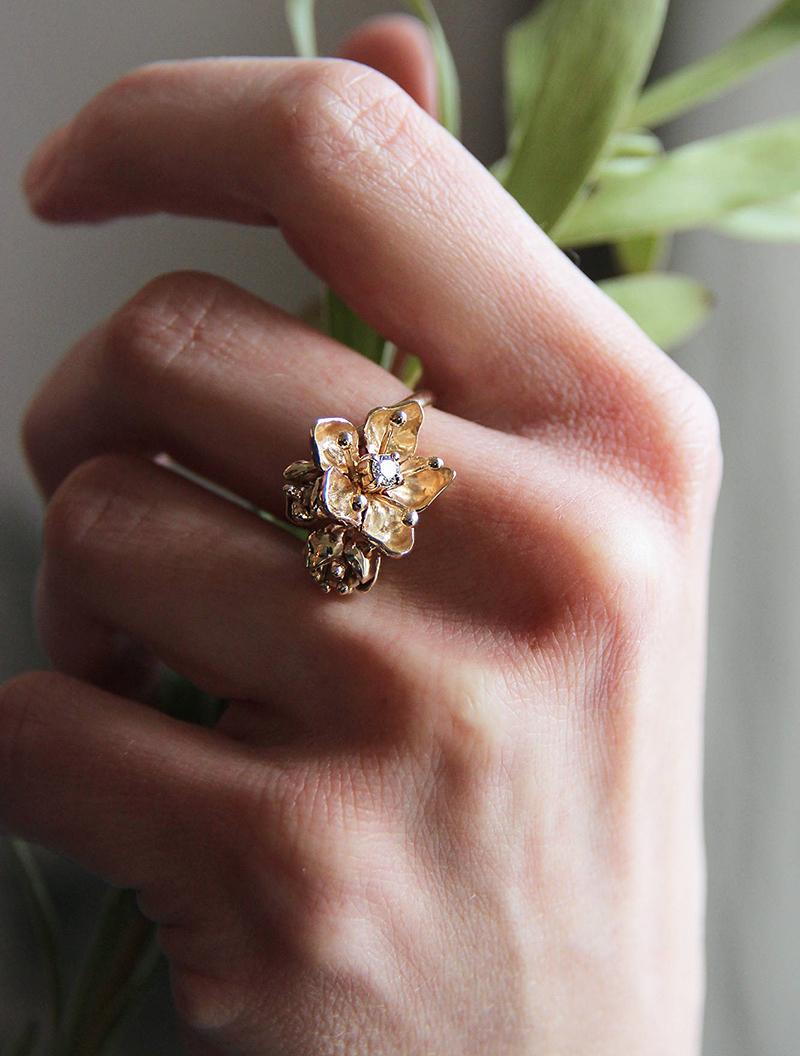 anel-de-noivado-de-flores