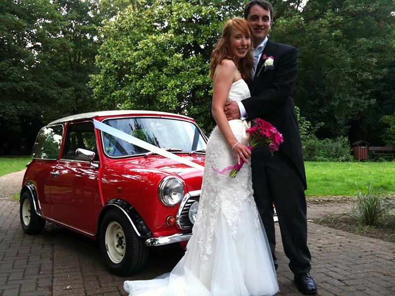 carro-em-miniatura-charme-para-casamento-carro-dos-noivos