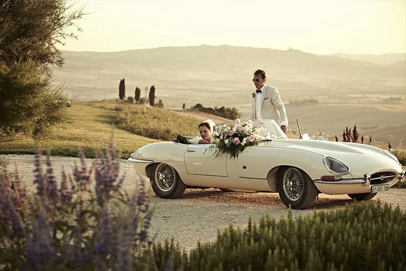 carro-vintage-para-casamento-acerte-na-escolha-do-carro-dos-noivos-4a