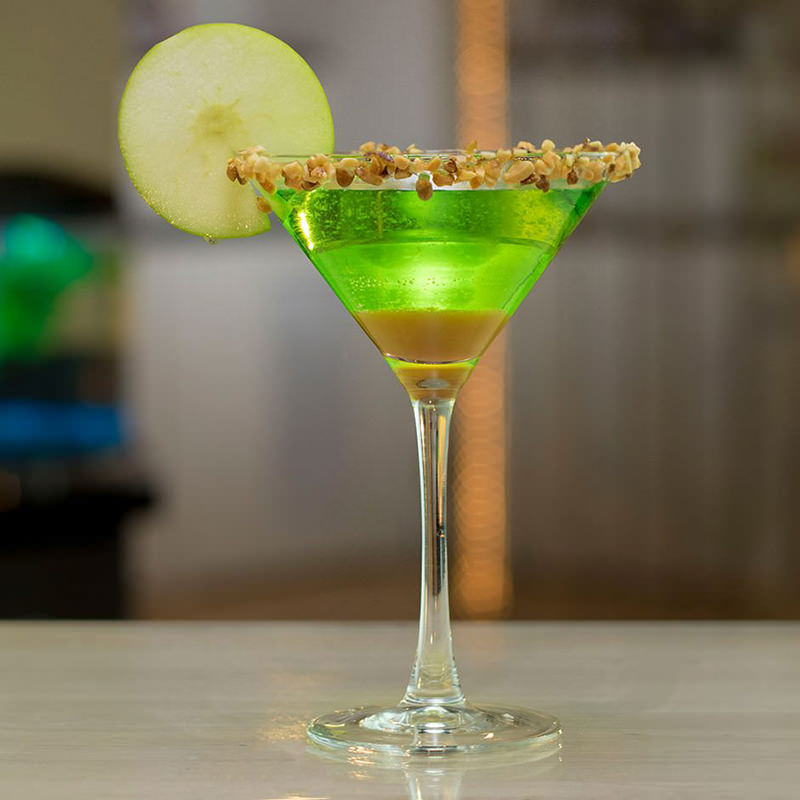 drink-apple-martini-com-caramelo
