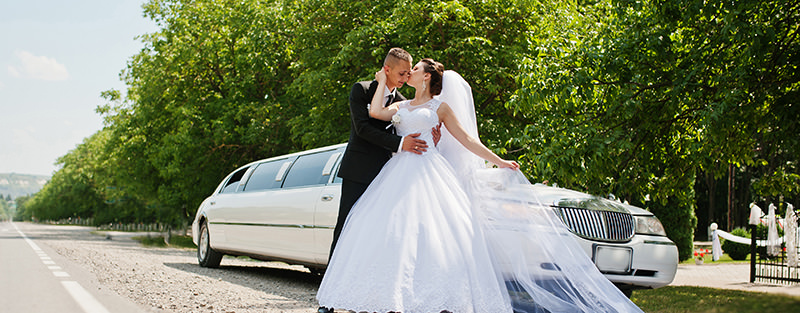 limousine-branca-sonho-de-consumo-noivas-aluguel-de-carro-para-casamento