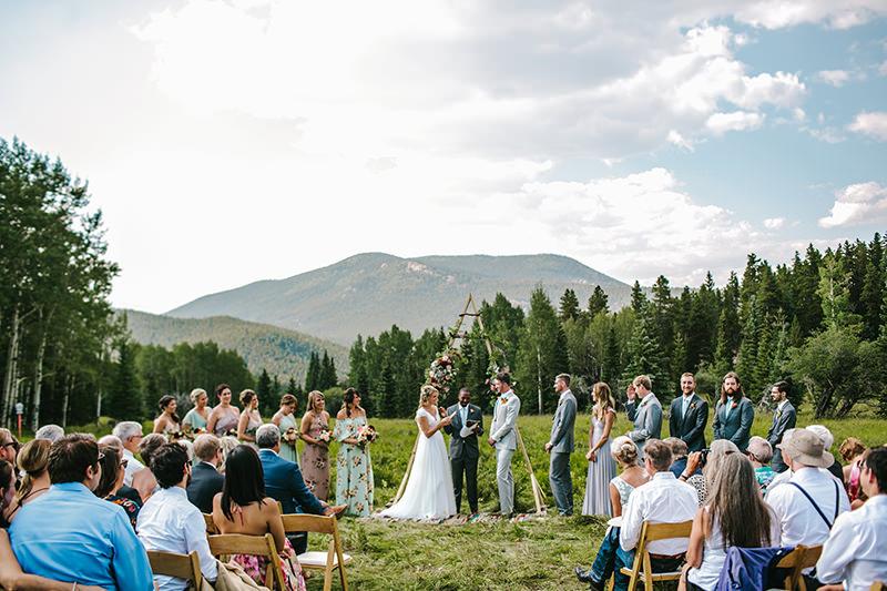 01-cerimonia-de-casamento-simples-na-floresta.jpg