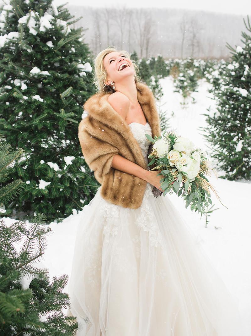 01-noiva-com-estola-para-casamento-no-inverno