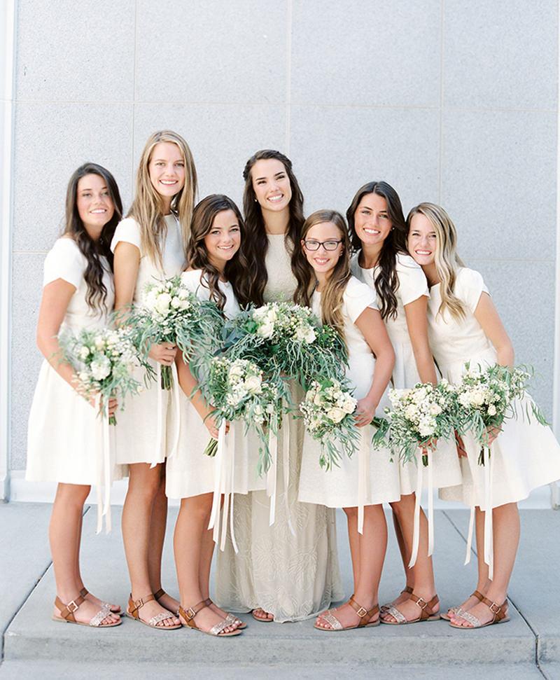 03-noiva-e-madrinhas-casamento-simples