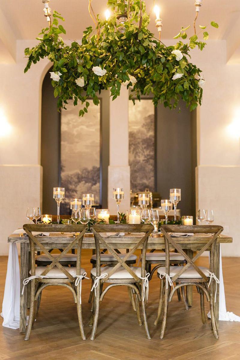 07-mesa-de-casamento-simples-para-poucos-convidados