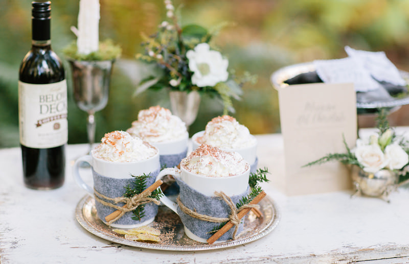 08-chocolate-quente-com-chantily-para-servir-no-casamento
