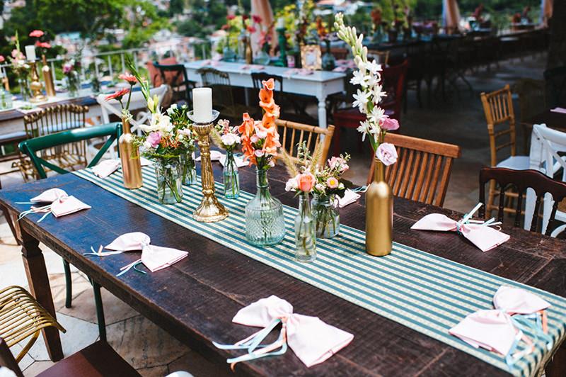 11-mesa-com-decoracao-simples-para-casamento.jpg