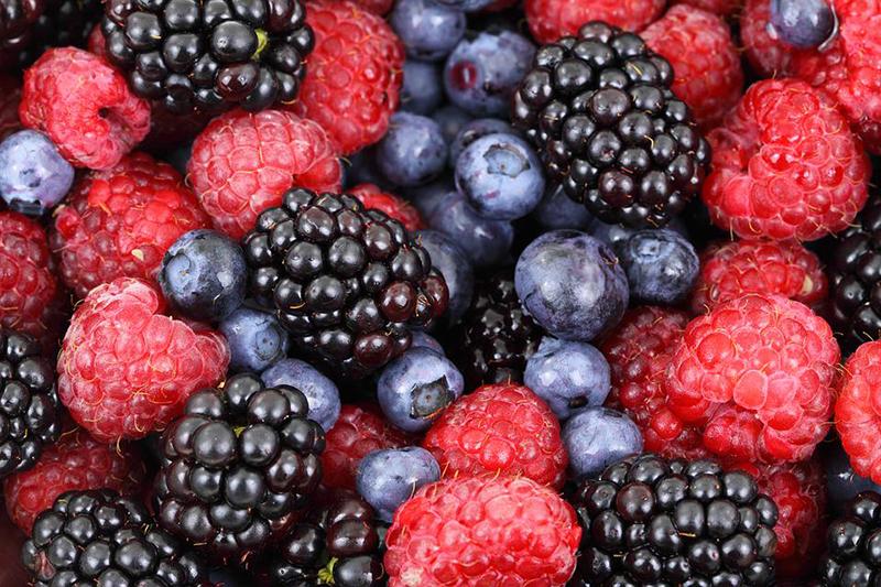 frutas-vermelhas-para-caipirinha