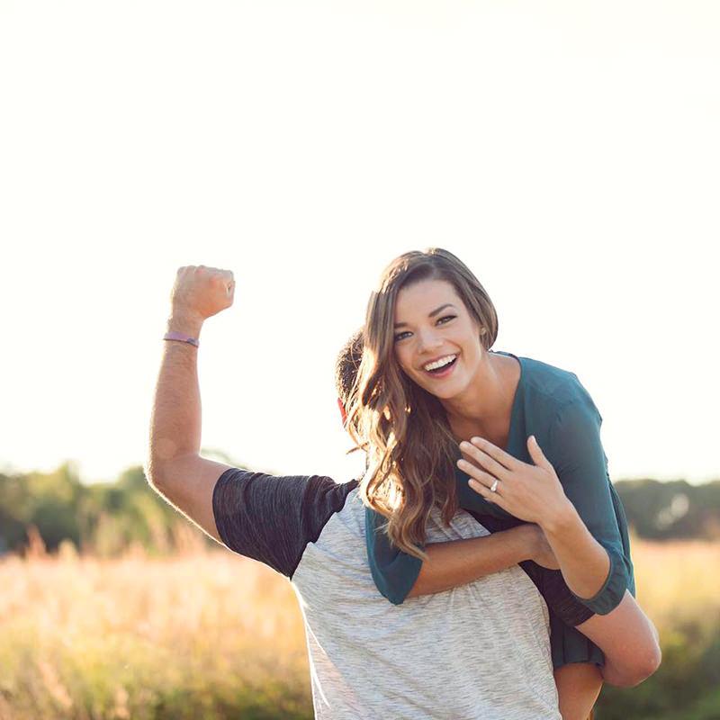 09-noivos-anunciando-o-noivado