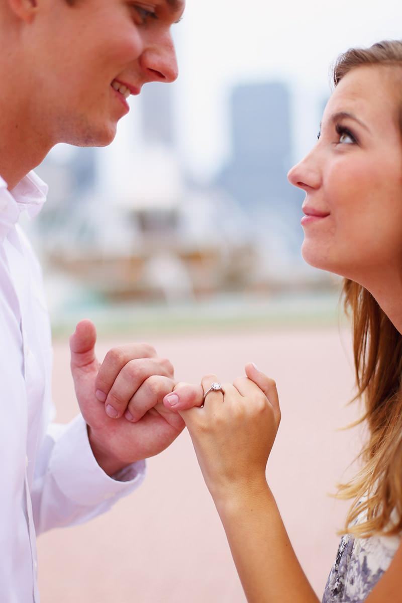 12-foto-romantica-para-anunciar-noivado