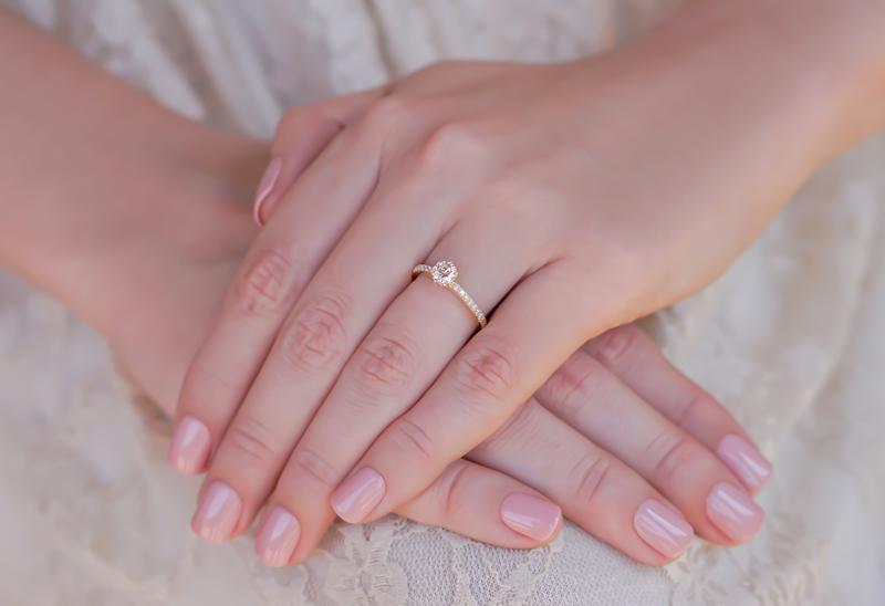 anel-de-noivado-de-solitario-de-diamantes