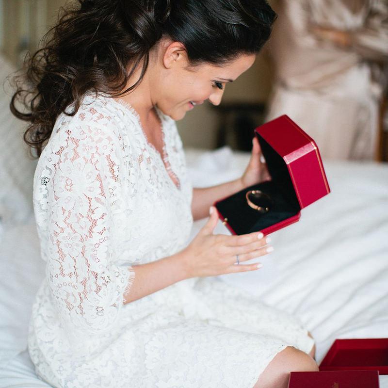 joia-para-presentear-a-noiva-no-dia-do-casamento