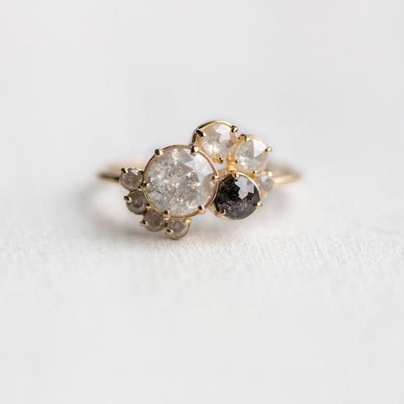 anel-de-noivado-com-diamante-cinza