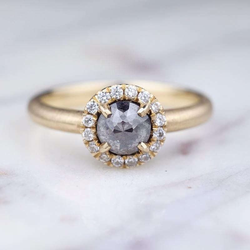 anel-de-noivado-com-safira-negra