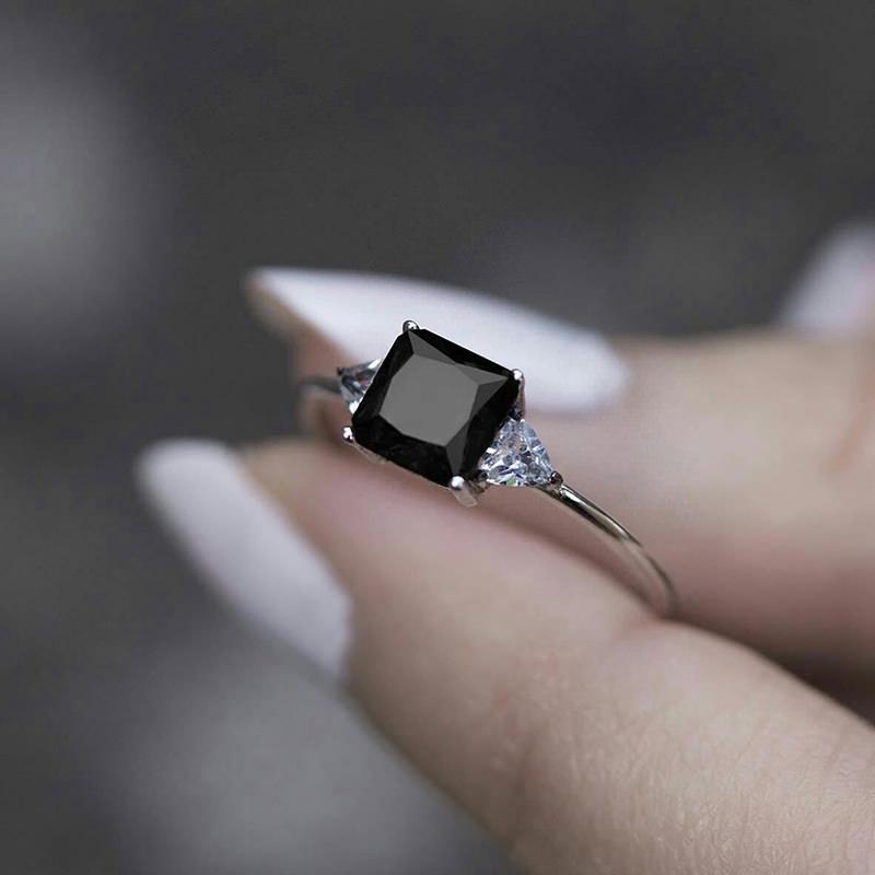 anel-de-noivado-diamante-quadrado