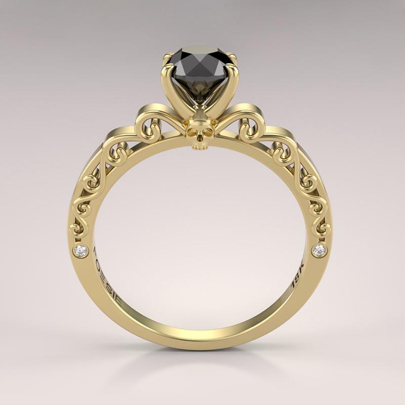 anel-de-noivado-nao-tradicional-com-caveira-e-diamante-negro