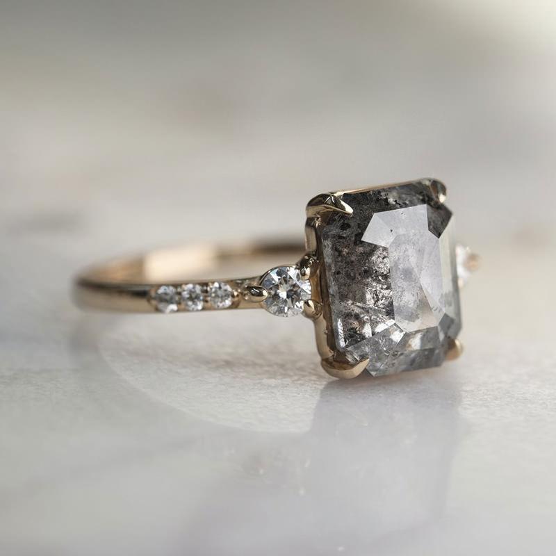anel-de-noivado-pedra-quadrada
