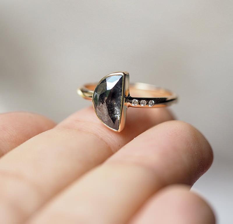 anel-em-formato-de-coracao.jpg