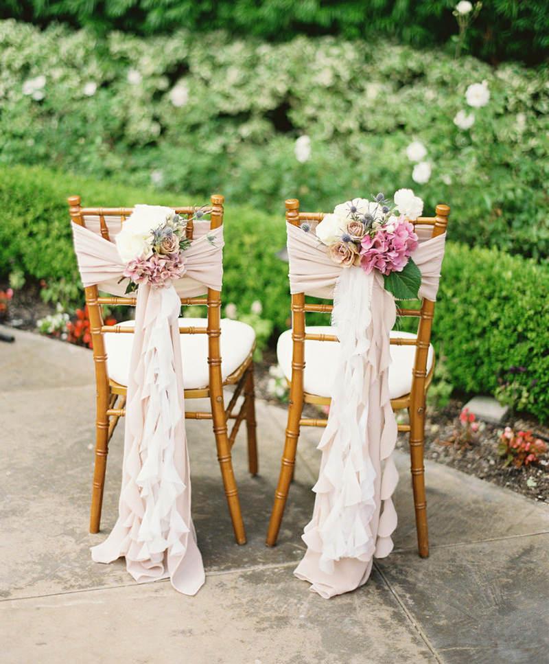 cadeiras-decoradas-com-tecido-e-flores