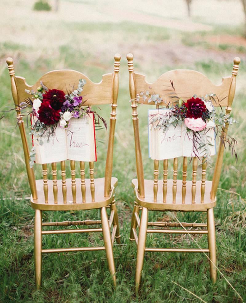 decoracao-da-cadeira-dos-noivos-para-amantes-de-livros