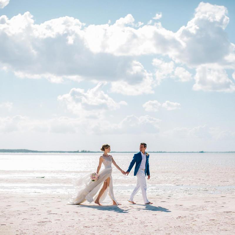 noivos-casamento-na-praia