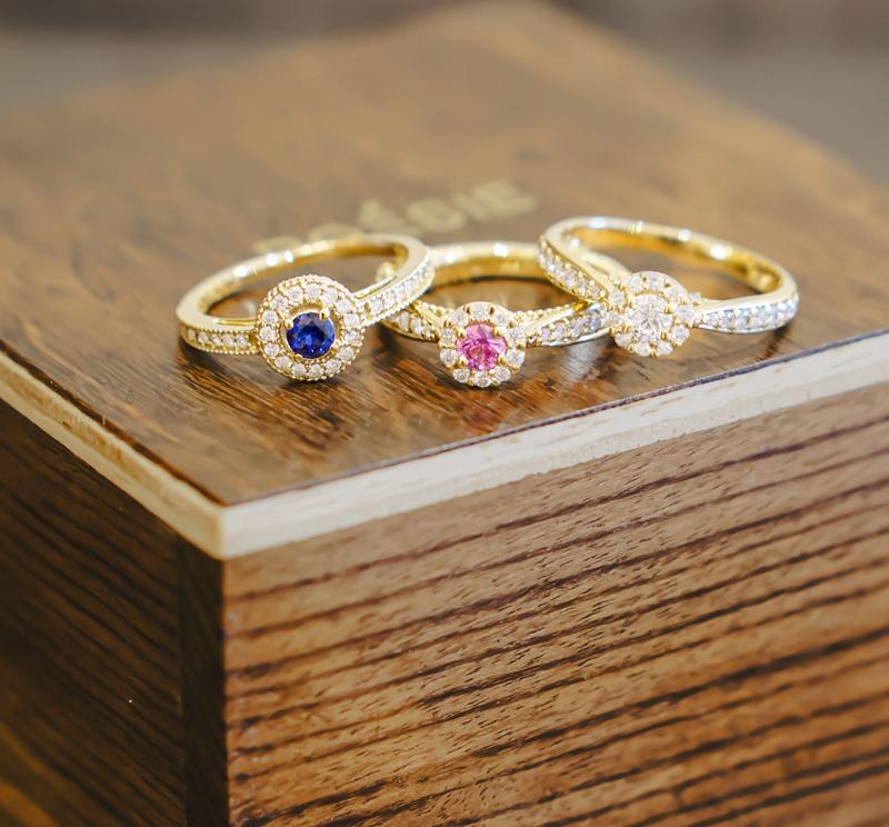 anel-de-noivado-com-pedras-coloridas