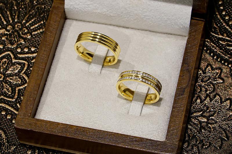 alianca-ouro-18-k-majestic-par-caixa-aberta-cuidados-com-a-alianca-antes-do-casamento