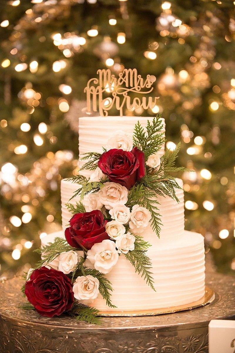 bolo-de-casamento-com-detalhe-em-flores-vermelhas