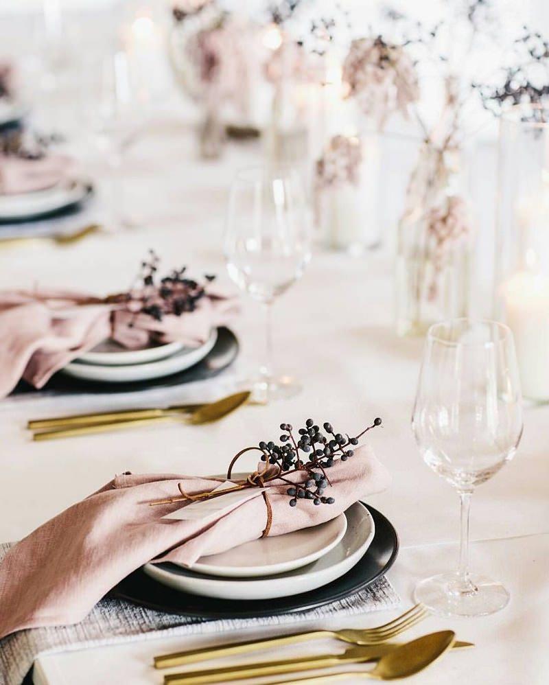 como-contratar-o-buffet-de-casamento-em-5-passos-mesa-posta