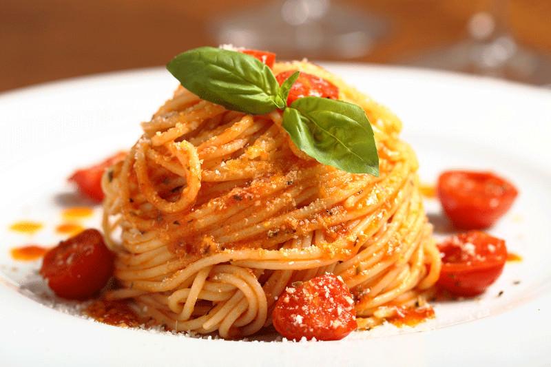 espaguete-molho-de-tomate-massas-gourmets-para-o-cardapio-do-casamento