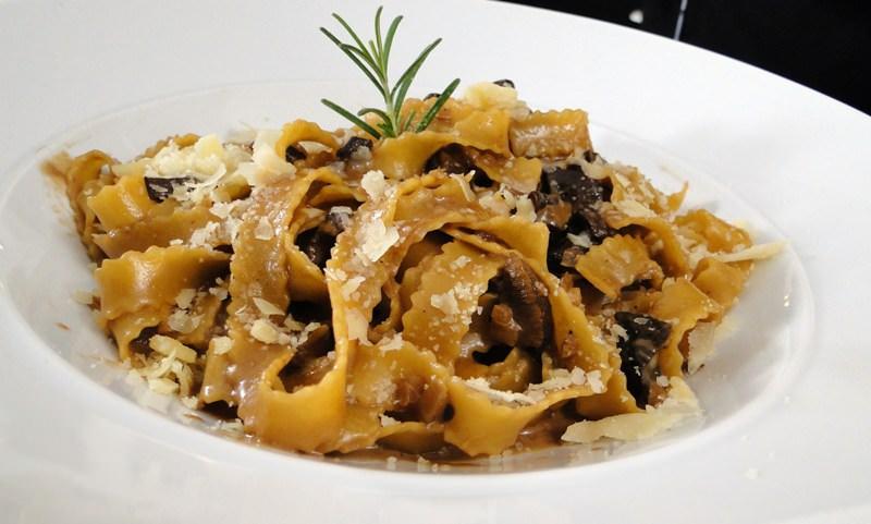 fetuccini-ao-funghi-massas-gourmets-para-o-cardapio-do-casamento