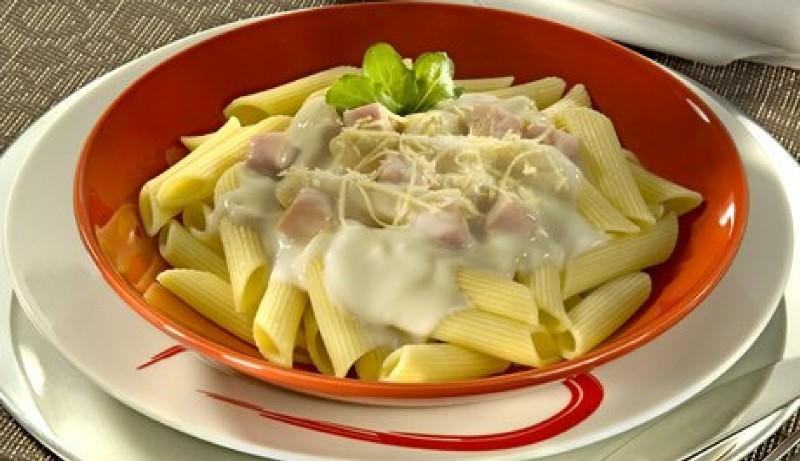 penne-ao-molho-4-queijos-massas-gourmets-para-o-cardapio-do-casamento