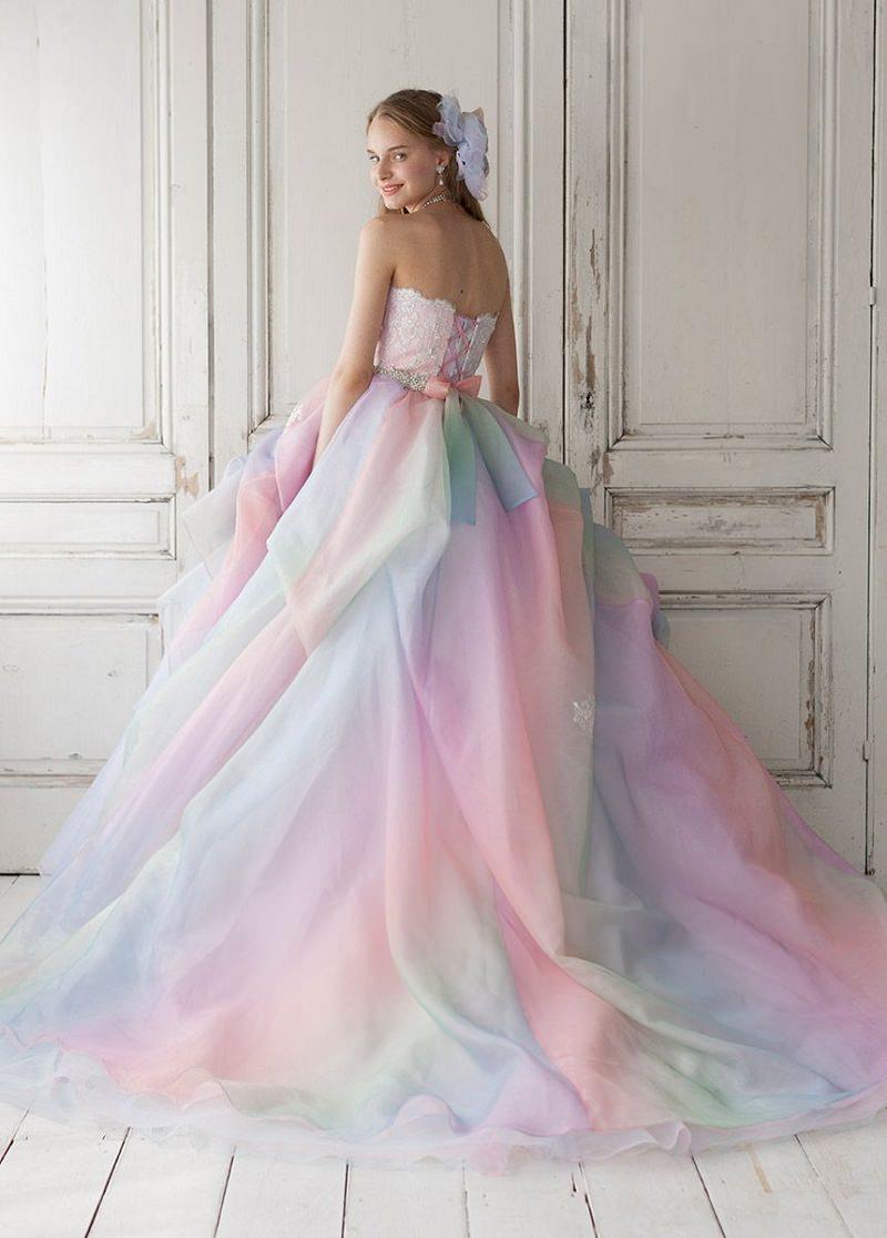 1-tendencia-unicornio-vestidos-de-noiva-nas-cores-do-arco-iris