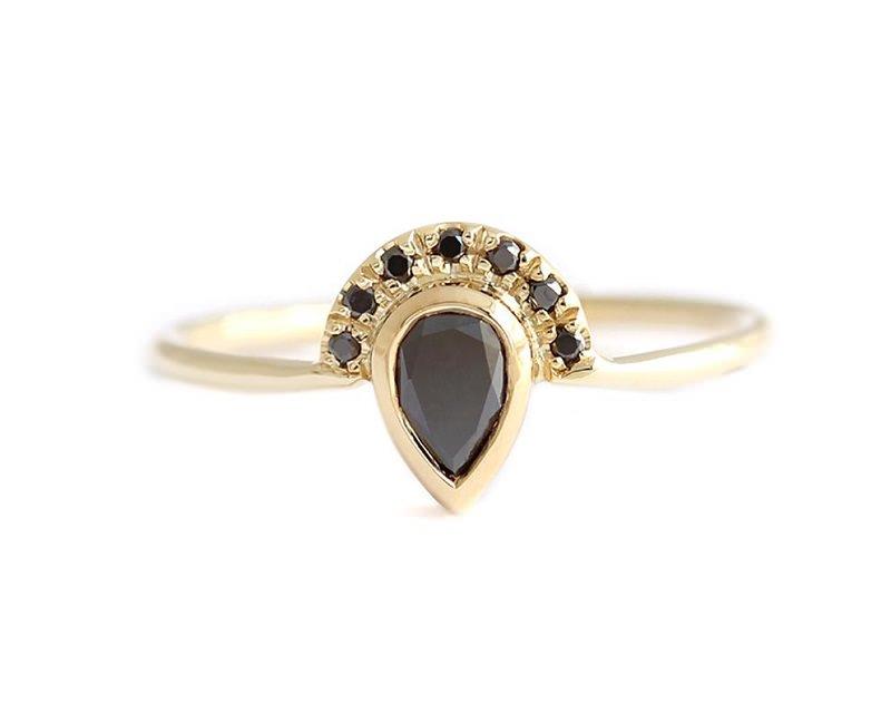 anel-de-noivado-em-formato-de-gota-diamante-negro
