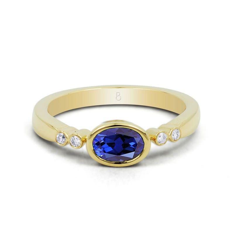 anel-oval-delicado-com-safira-azul