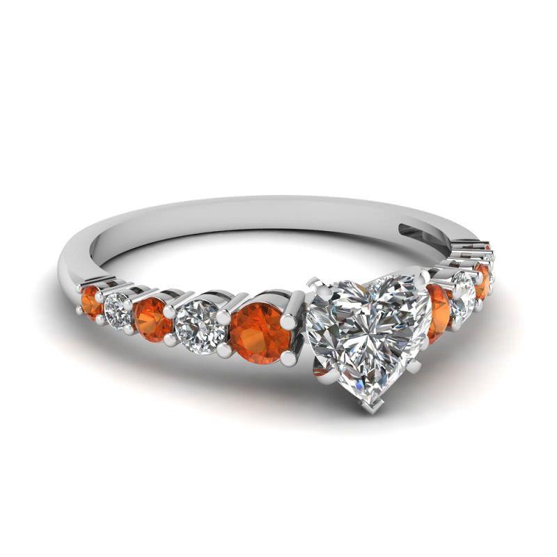 anel-de-noivado-com-detalhes-em-citrino-e-coracao-central