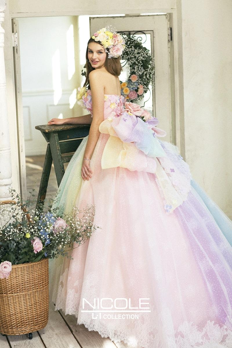 19b-tendencia-unicornio-vestidos-de-noiva-nas-cores-do-arco-iris