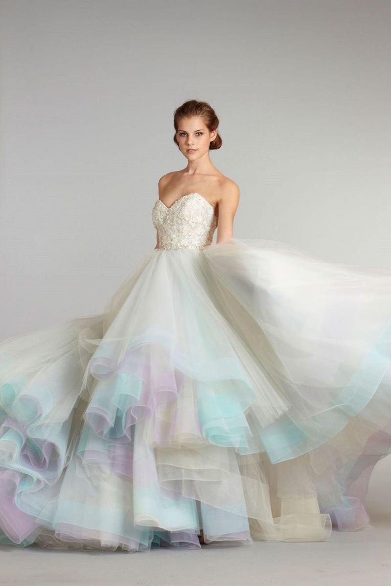 20-tendencia-unicornio-vestidos-de-noiva-nas-cores-do-arco-iris