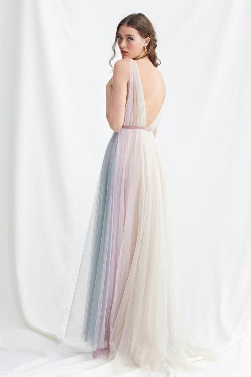 22-tendencia-unicornio-vestidos-de-noiva-nas-cores-do-arco-iris