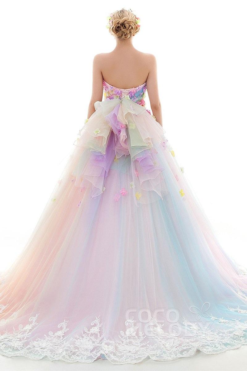 3b-tendencia-unicornio-vestidos-de-noiva-nas-cores-do-arco-iris